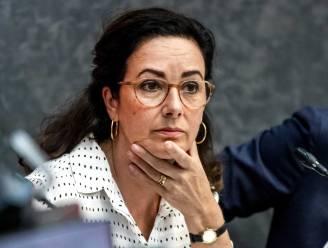 Gemeenteraad Amsterdam roept burgemeester op het matje om verboden vuurwapen in ambtswoning