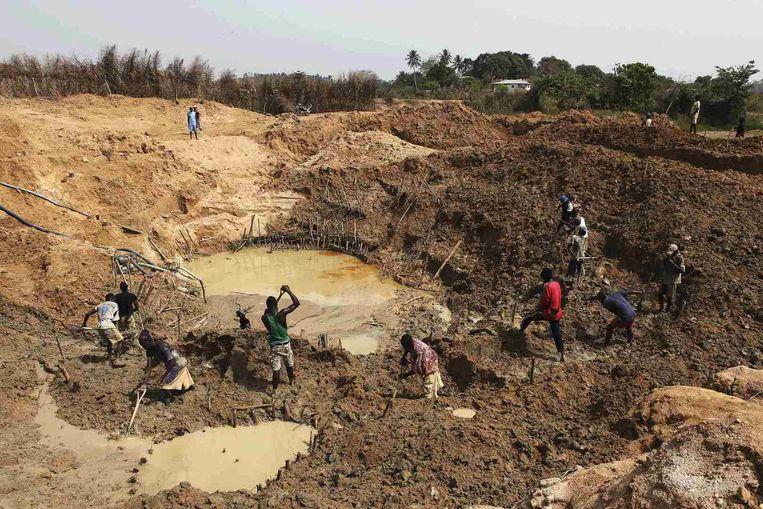 Een diamantmijn in Sierra Leone. Beeld REUTERS