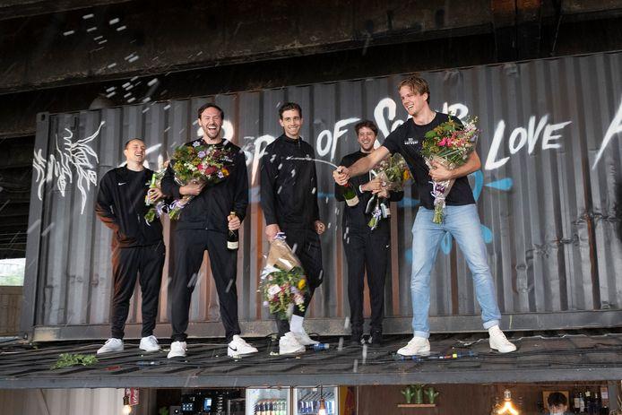 Nick Celis, Thierry Mariën, Rafaël Bogaerts, Thibaut Vervoort en kinesist/physical coach Mathieu Keunen werden vandaag vol lof onthaald op het dak van SOMMAR in Antwerpen.