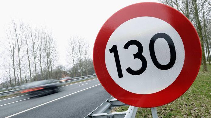 130 km/u is niet minder veilig dan lagere snelheden, aldus de SWOV