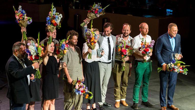 Hans Kesting (R), winnaar van de Louis d'Or, en Wine Dierickx (3eL), winnaar van de Theo d'Or. Beeld anp