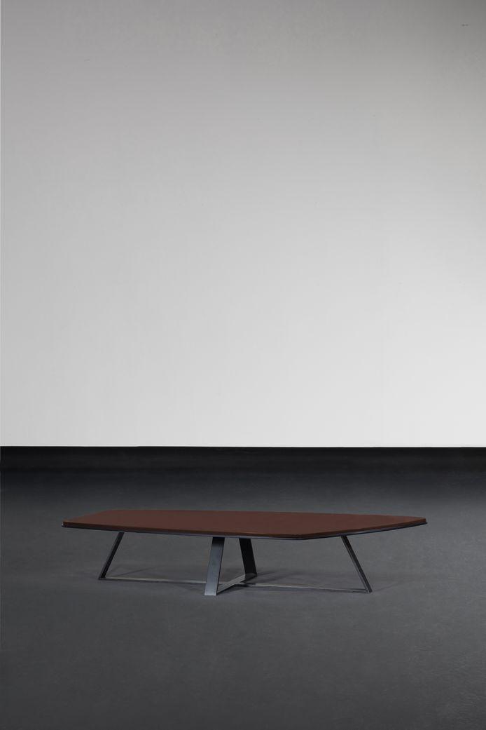 La table Dandy est en une belle illustration.