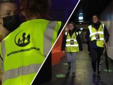 Vrijwilligers wandelen 40 kilometer tijdens Nacht van de Vluchteling