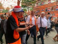 Koning verrast de 'Mooiste Oranjestraat van Nederland' met bezoekje