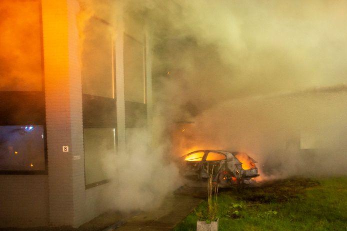 De golf aan incidenten in de regio begon met de brand in het kantoorpand van Alex R. aan de Kreekweg in Zwijndrecht. Daarna volgden tal van andere gewelddadige incidenten in Alblasserdam en Hendrik-Ido-Ambacht.