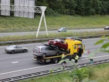 Gewonde bij ongeluk op A4, afrit bij Delft en Rijswijk dicht