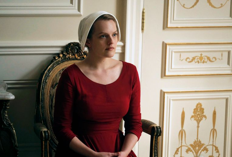 Elisabeth Moss als Offred in 'The Handmaid's Tale'.