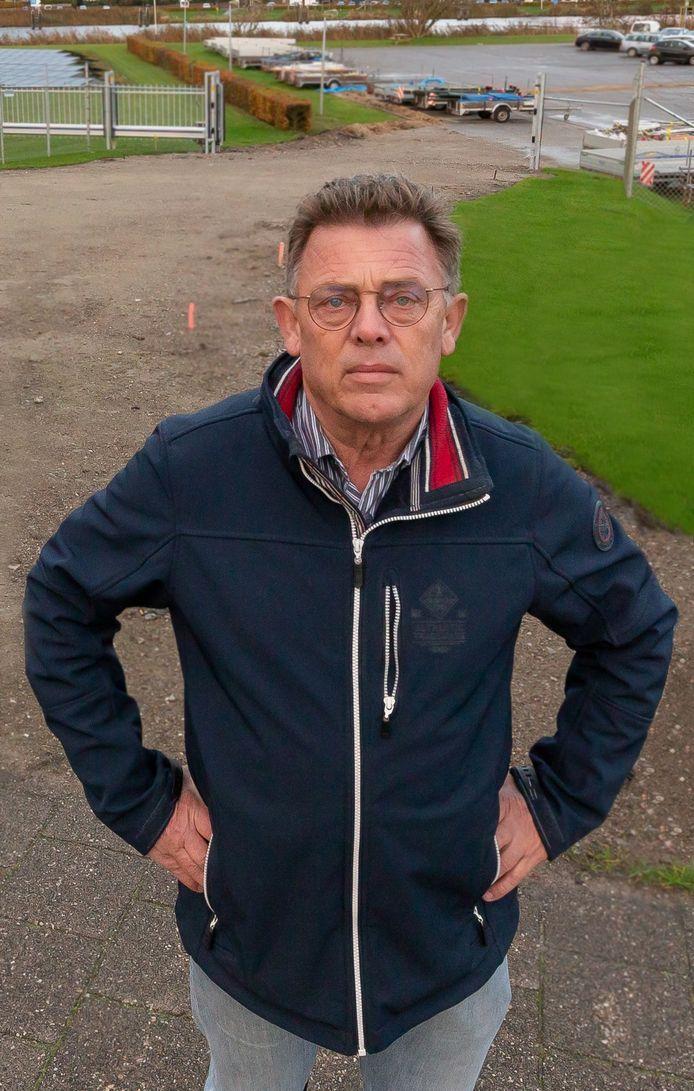 Jan Bruinenberg van het burgercomité bij de uitrit van het bedrijf Breman.