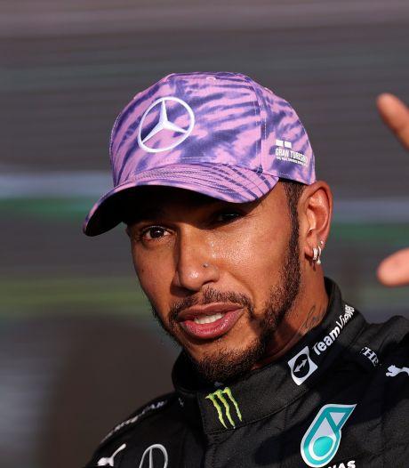 Hamilton draagt 'zege' op aan Britse fans: 'Er kwam zoveel energie los'