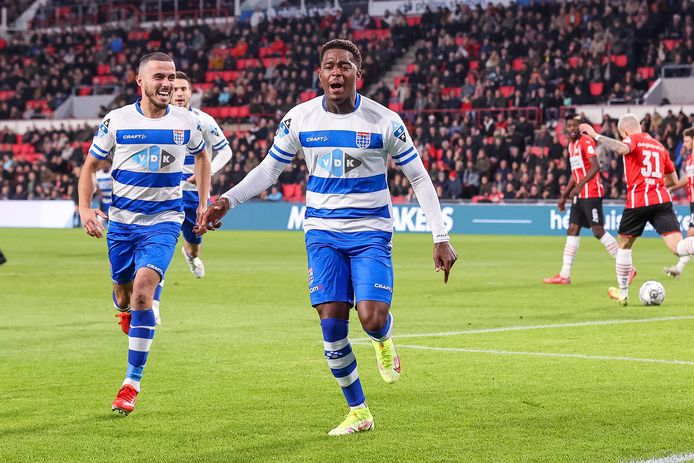 PSV escapes embarrassment at home; PEC Zwolle only bends in the final phase  Eredivisie