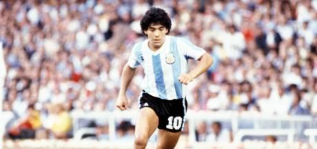 Teruglezen | Zlatan: 'Maradona is niet dood, hij is onsterfelijk', ook eerbetoon Koeman