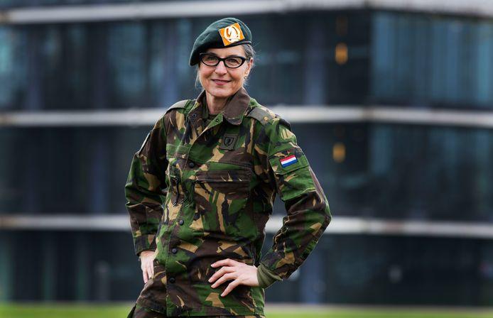 """Jacqueline Spijkerman ging werken bij de landmacht als communicatieadviseur en werd meteen maar reservist. ,,Ik ben ervan overtuigd dat ik mijn werk beter kan doen als ik een beetje weet hoe het is om militair te zijn."""""""