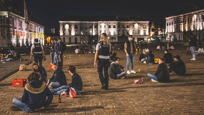 """Opnieuw feestende studenten op Sint-Pietersplein: """"De tijd van sensibiliseren is voorbij"""""""
