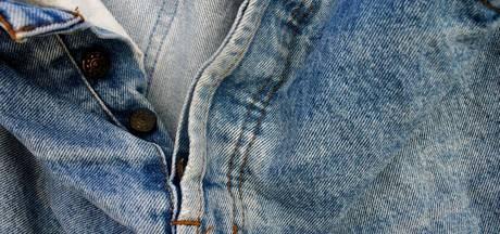 Jeans Centre Ede zamelt broeken in voor vluchtelingen
