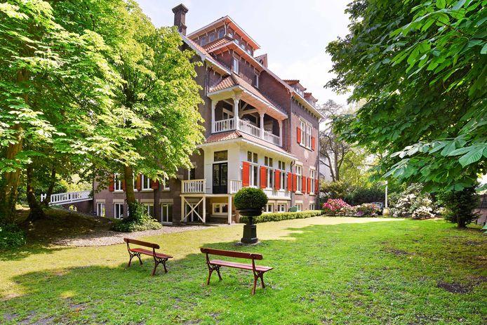 Een villa met een verhaal: nu voor 'slechts' 4,4 miljoen euro