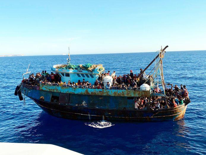 Op een van de boten zaten 415 migranten.