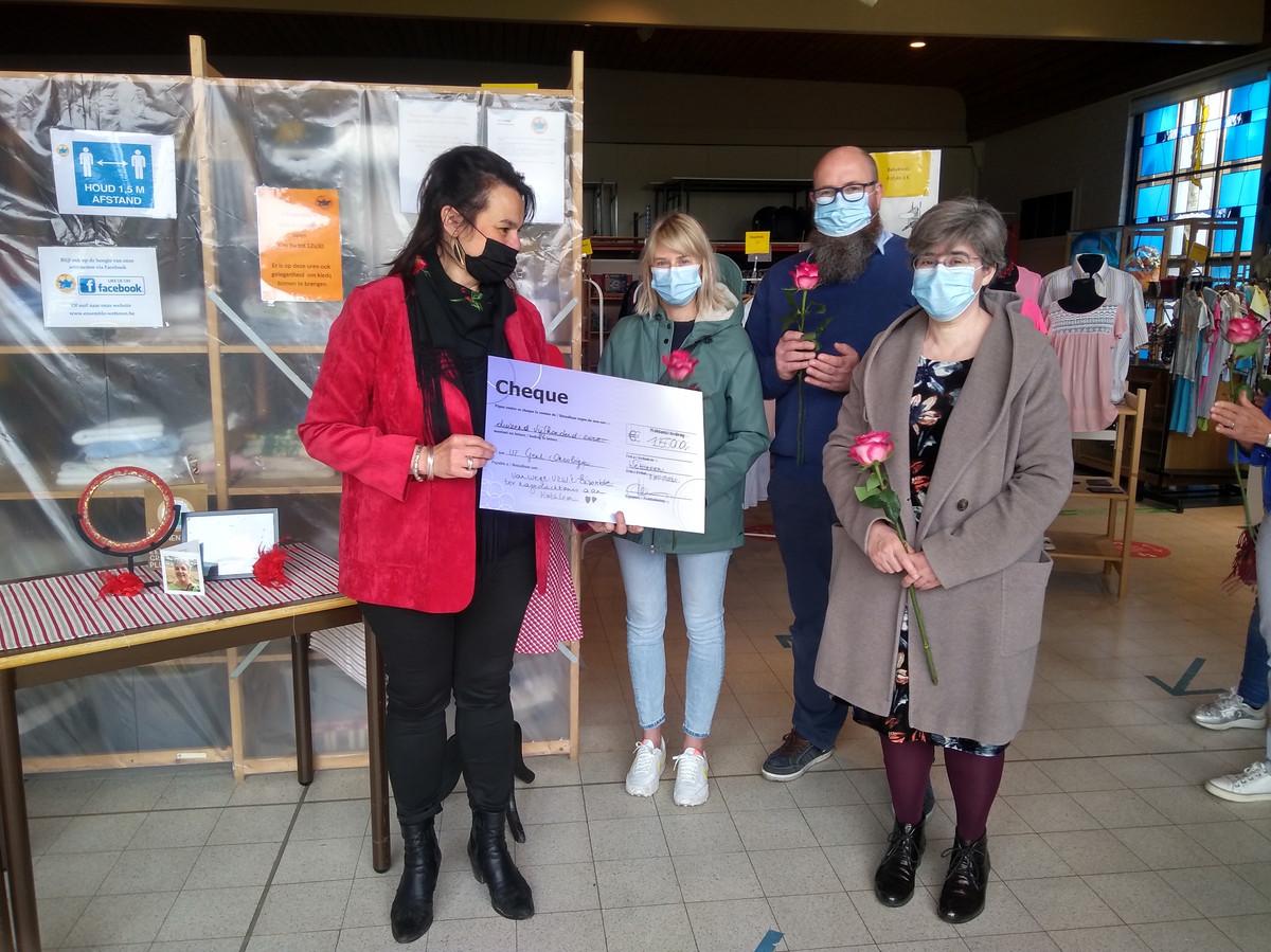 t Ensemble schenkt 1.500 euro aan het UZ Gent.