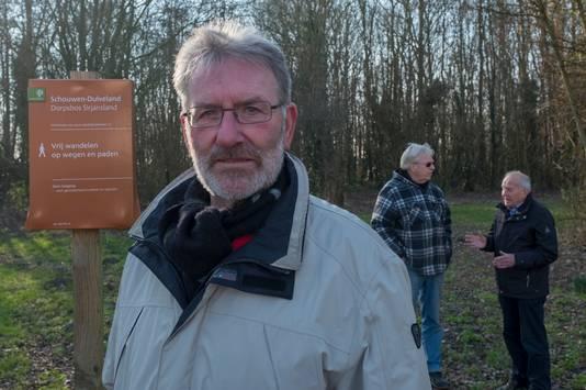 Dirk Fluijt geniet van de natuur rondom het dorp.