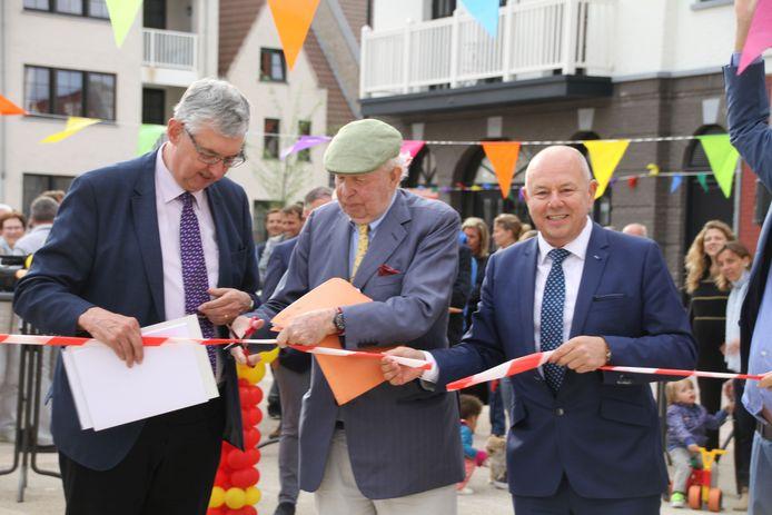 Burgemeester Lippens opende het Kraaiennestplein.