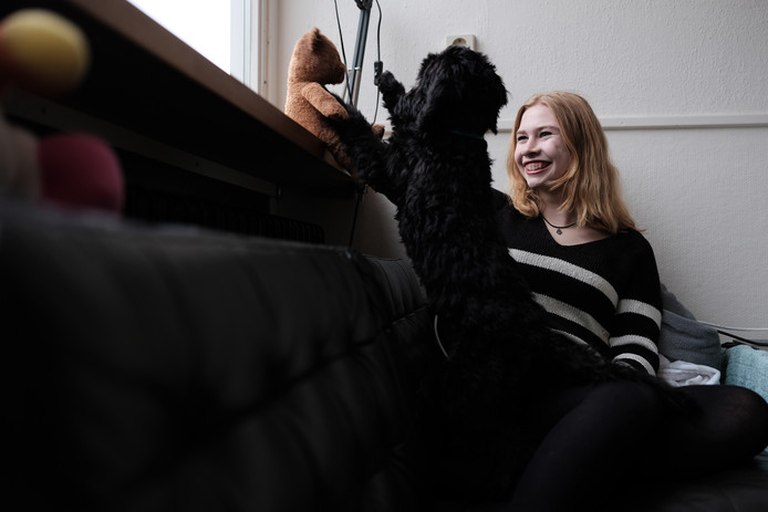 De Zevenaarse Anne-Fleur van Haren heeft een boek geschreven over hoop en depressie. Foto Jan Ruland van den Brink