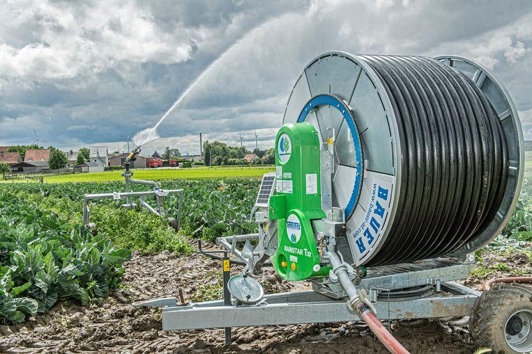 De akkers worden beregend met het gezuiverde afvalwater van Ardo.