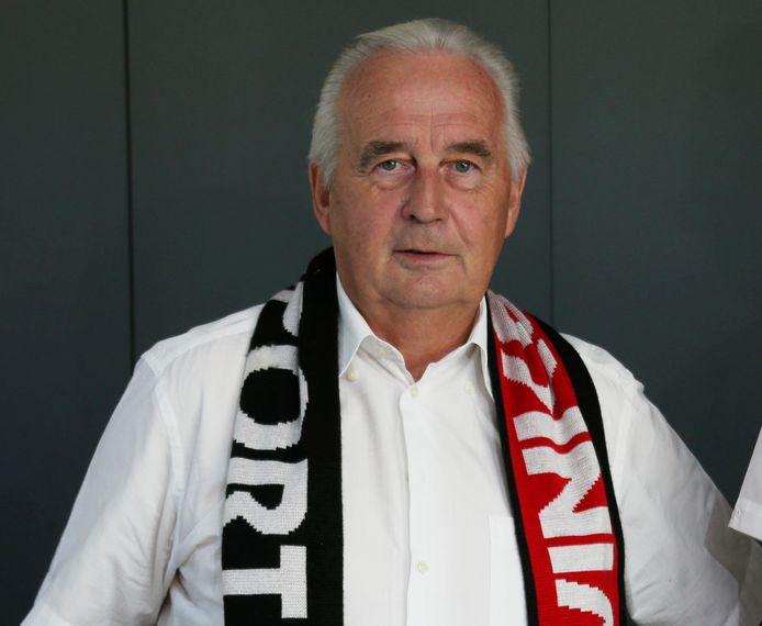 Hoogledenaar Geert Cool is naast hoofdsponsor nu ook voorzitter van Winkel Sport.