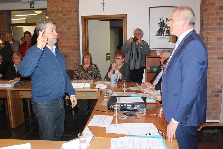 DVP schrijft geschiedenis. Kristof De Cuyper wordt de allereerste gemeenteraadslid voor de nieuwe partij.