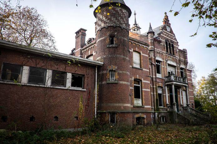 Het kasteel Lindenbos.