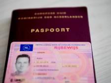 Nieuw paspoort steeds vaker thuisbezorgd in Woerden