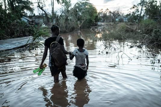 Grote delen van het gebied zijn ondergelopen en stilstaand en vervuild water bieden kans aan gevaarlijke ziekten.