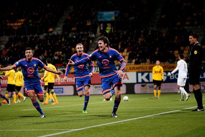 Botteghin viert zijn goal.