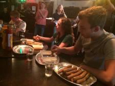 Matige opkomst bij frikandellenfestijn  doet niks af aan gezelligheid in Mariaheide