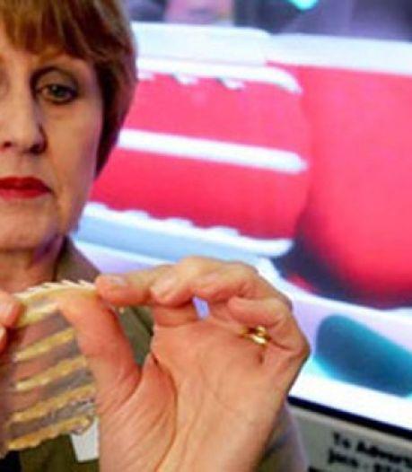 Un préservatif féminin avec une dent contre les violeurs