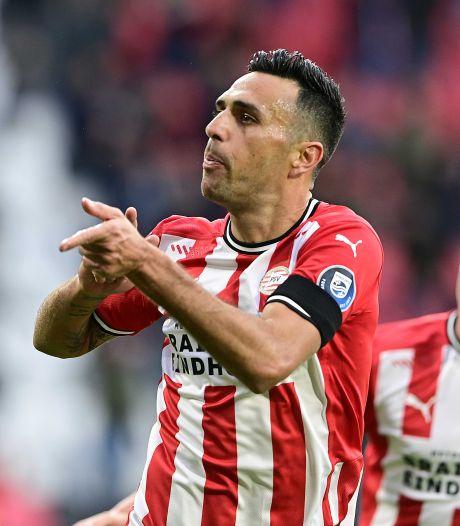 Samenvatting | Drie afgekeurde goals en een discutabele penalty: bekijk hier hoe PSV FC Groningen versloeg