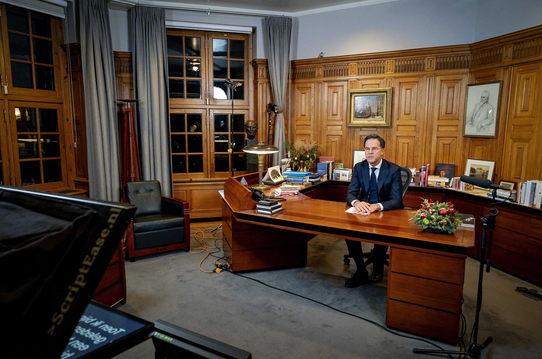 Premier Mark Rutte in het Torentje. Beeld EPA