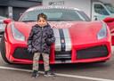 Elias mag dankzij Make a Wish met een Ferrari het circuit van Zandvoort op.