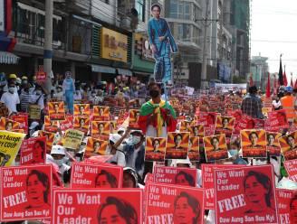 Grootste protestacties gemeld in Myanmar sinds staatsgreep: tienduizenden mensen op straat