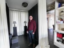 Jan Manders uit Beek en Donk maakt rouwkamers op maat