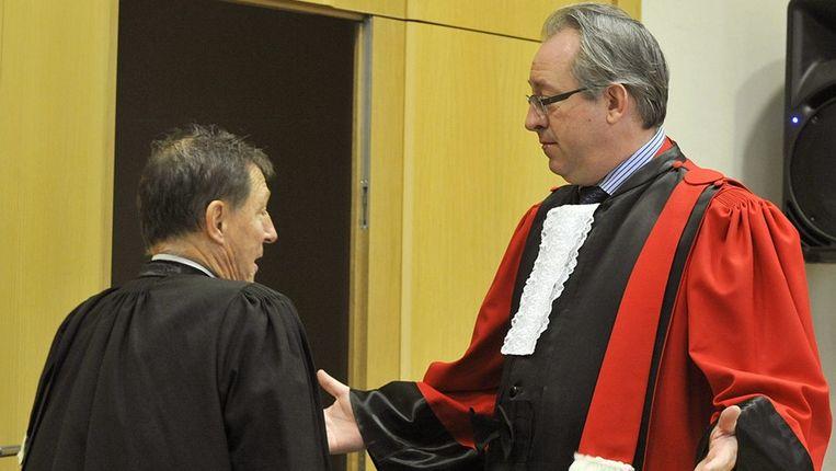 Jef Vermassen in gesprek met procureur Patrick Boyen. Beeld PHOTO_NEWS