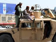 """Les talibans """"prêts à protéger"""" l'accès à l'aéroport de Kaboul"""