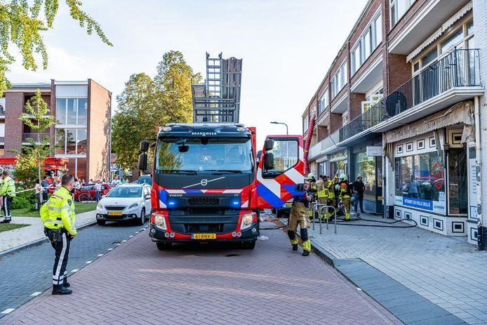 Brandweer is aanwezig bij eethuis Antep.