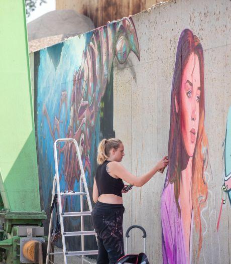 Graffitikunstenaars maken Rijnhaven in één weekend mooi