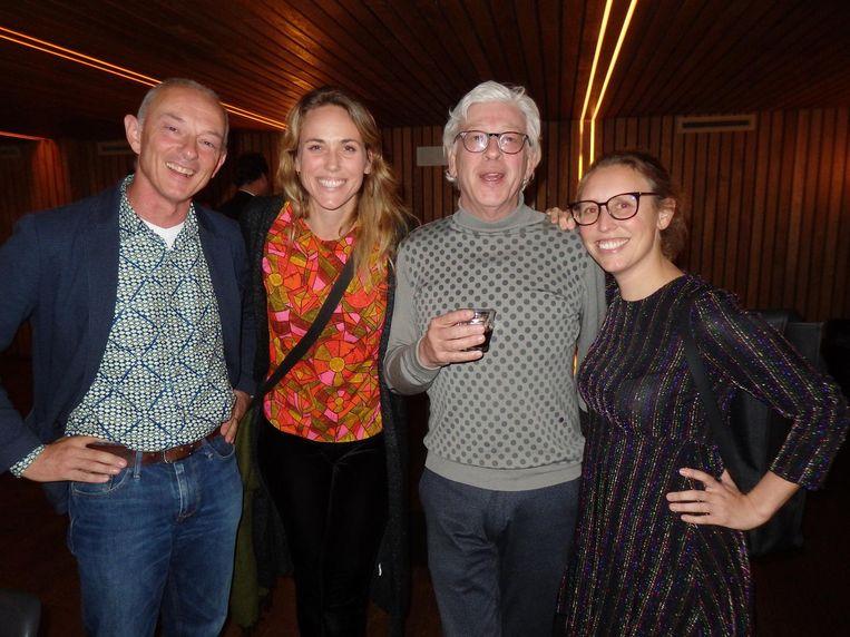 Oud-collega Frans van Eck, Jacqueline Krouwel, ook Jellinek, Dirk Korf (UvA) en opvolger Floor van Bakkum: 'Ik heb acht jaar moeten horen dat hij met pensioen ging' Beeld Schuim