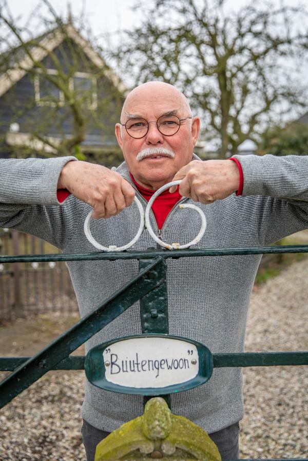 Jan Verburg kocht al in 1969 een oude boerderij in Heinkenszand, maar ging er pas in 2008 echt wonen.