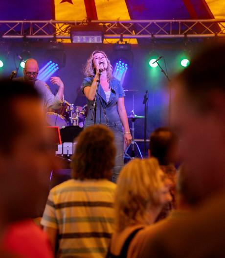 Popmuziekspektakel Kempensessie in Steensel staat weer als een huis