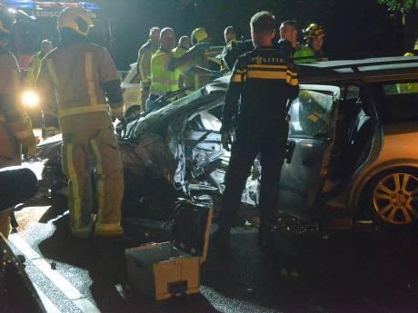 Automobilist zwaargewond door ernstig ongeluk op Schenkviaduct