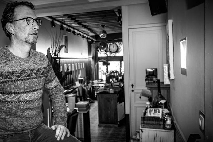 Bart De Spiegeleer van café Beau Rival.