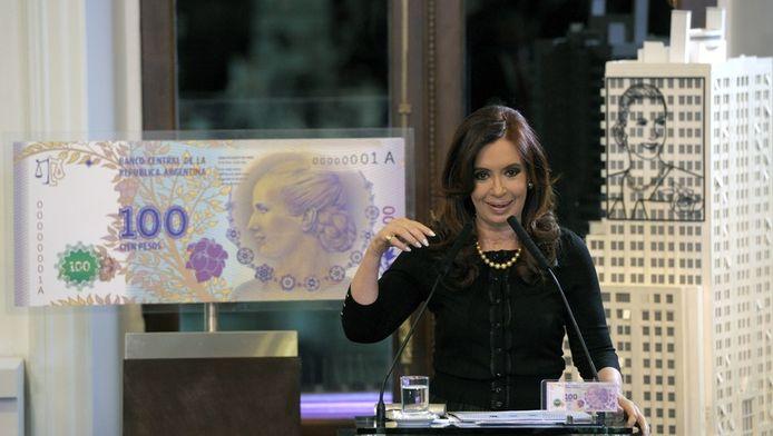 De Argentijnse president Kirchner stelde vorige maand nog een nieuw biljet voor van 100 pesos met de beeltenis van de populaire Evita.