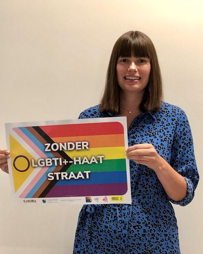 Schepen van de Hasselaar Dymfna Meynen (N-VA) belooft samen met Regenbooghuis Limburg een affichecampagne doorheen de stad om de LGBTQI+-gemeenschap te steunen.