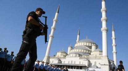 Turkse autoriteiten verordenen arrestatie van 129 ex-politieagenten